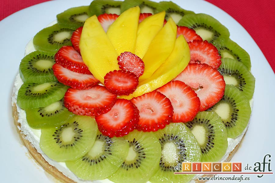 Tarta de queso con fruta fresca